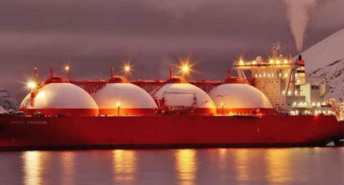 lng tanker ship gas oil